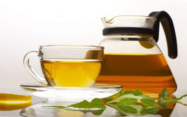 Все зеленые травы, входящие в состав чая для желудка, монахи советовали собирать в ночь на Ивана Купала