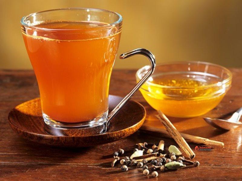 Рецепт качественного напитка, такого как медовый сбитень, обязательно включает комбинацию специй и пряностей