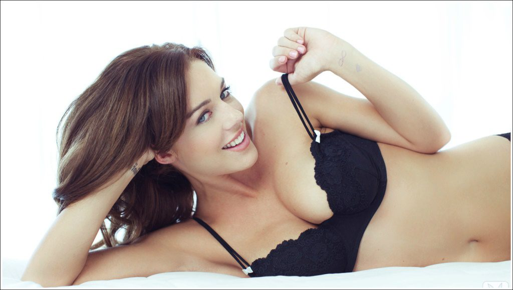 Женский бюст может потерять форму из-за заболеваний, диет, кормления грудью