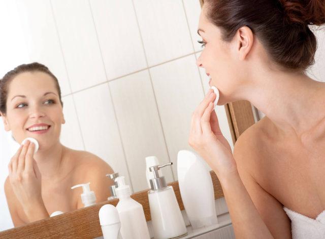 В зависимости от возраста, типа и особенностей кожи, некоторые люди замечают эффект уже после первой процедуры